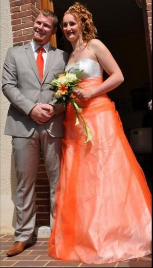 Robe de mariee champetre en satin duchess et tulle orange 1